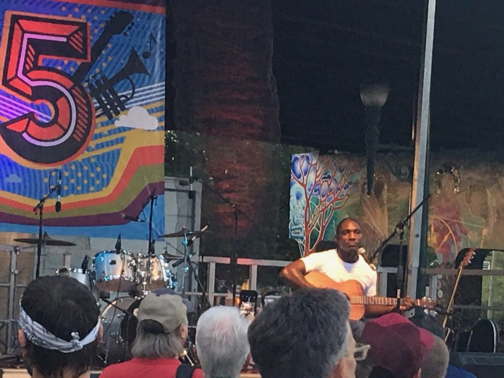 Cedric Burnside at Friday after 5